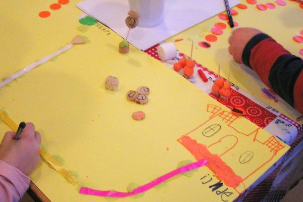 Geef kinderen de mogelijkheid zélf, al doende, spelenderwijs, van en met elkaar te leren | blog van Erica Verlaan Ruimte voor creativiteit op de BSO