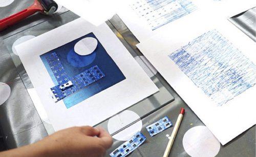 Workshop Erica Verlaan bijzondere technieken bij Immer Urlaub Westerkade 30 Utrecht monoprint monotype leer experimenteer maak DIY op eenvoudige wijze unieke prints
